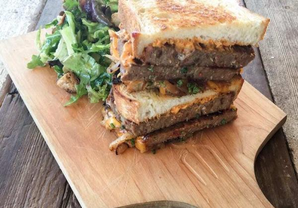 How to make Bobs Well Bread Meatloaf Sandwich