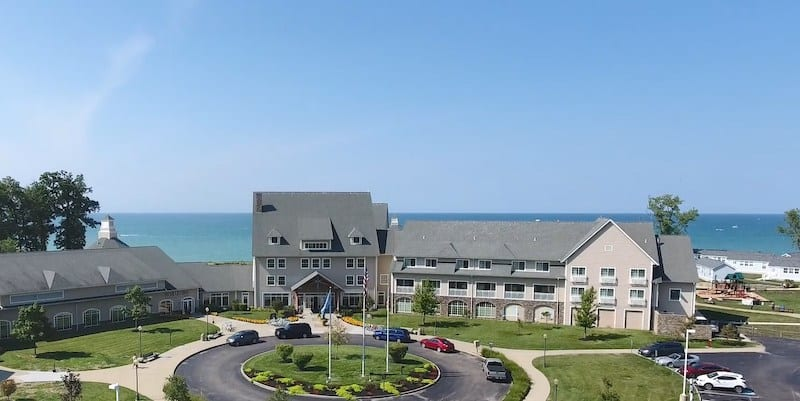 Where to stay in Ohio wine country - The Lodge at Geneva on the Lake